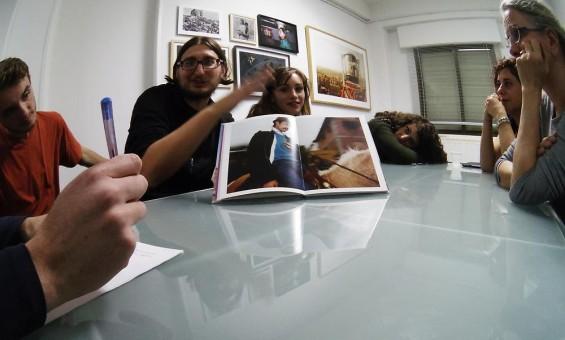 Duelo por un fotolibro español
