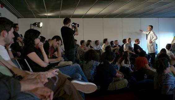 ENCONTEXTO 2012, José Otero, Varios desplazamientos fotográficos en un aula de La Casa Encendida