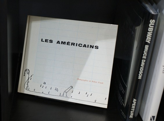 Portada de Les Americaines, de Robert Frank, con un dibujo de Saul Steinberg
